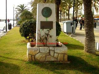 Monolito de GK en Sitges