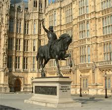 La figura de Ricardo Corazón de León es el ejemplo constante de El regreso de Don Quijote, de Chesterton