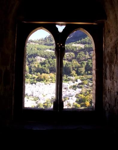 Ventanas ojivales del Castillo de Yedra, s.XIII. Cazorla, Jaén, España.