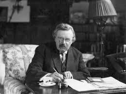 Chesterton escribiendo