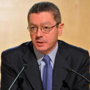 Alberto Ruiz Gallardón, ministro de Justicia, ha dimitido como consecuencia de la retirada de su anteproyecto de ley sobre el aborto.